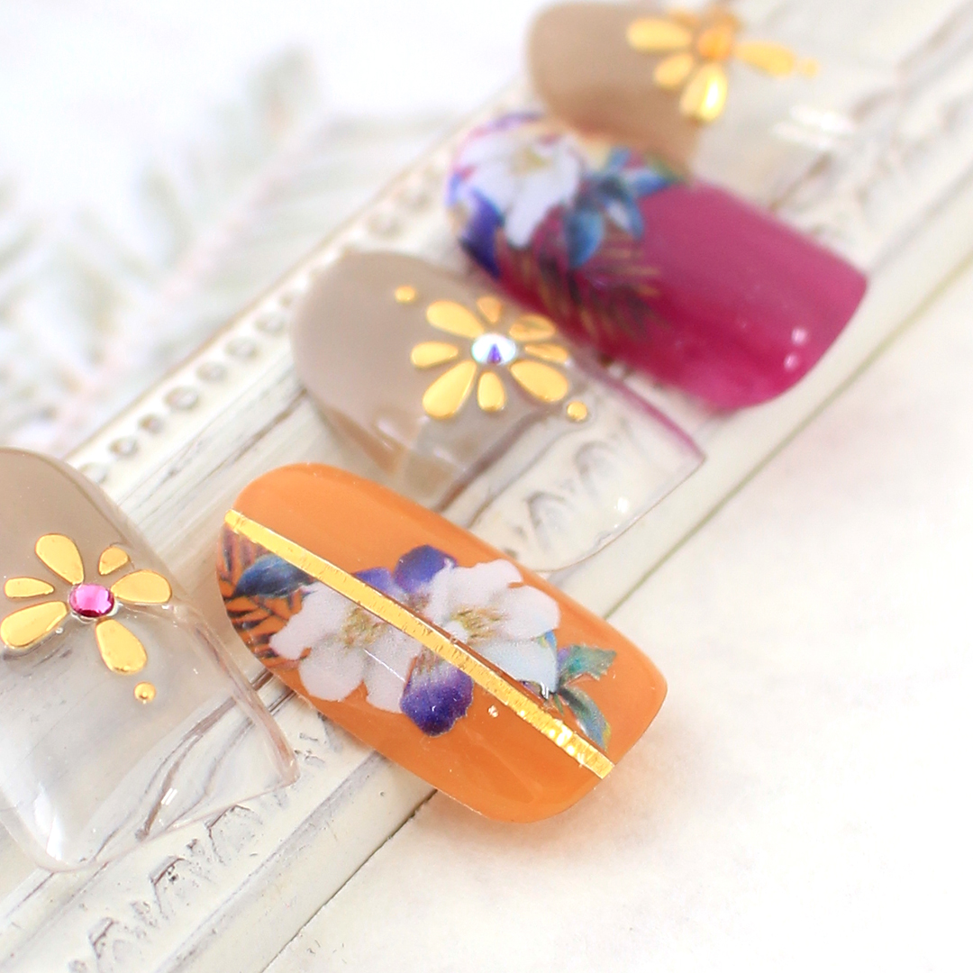 トレンドネイル2018-19Winter|Blooming Flower|春に向けた装い。レトロなボタニカルフラワーとメタリックを合わせて。