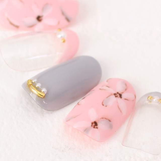 ピンクとグレーの春ネイル