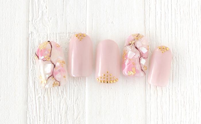 ピンクとシェルを使って大理石風春ネイル