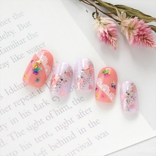 花束のプレゼントネイル