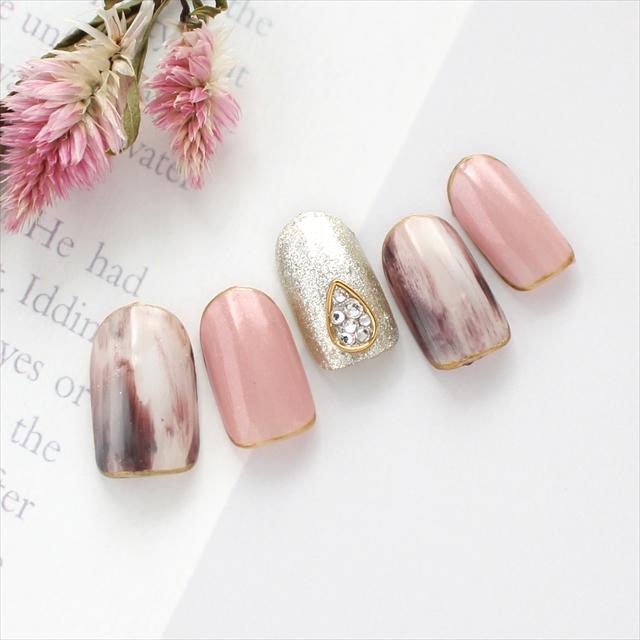 おちついた桜ピンクとニュアンスネイルのデザイン