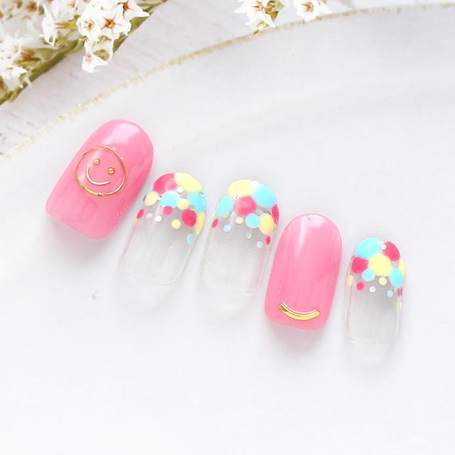 ポップで元気なビタミンカラー☆ニコちゃんマークがかわいいポイントです。